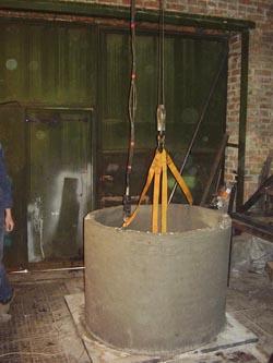 Готовое железо бетонное кольцо колодезное